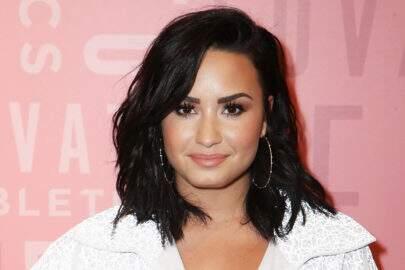 Após polêmica do fim de seu noivado, Demi Lovato é flagrada com ex de Bella Thorne