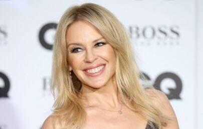 """Kylie Minogue se joga na pista de dança no clipe de """"Magic"""""""