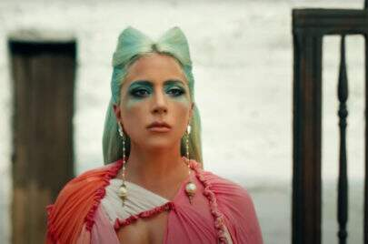 """Saiu! Lady Gaga lança clipe de """"911"""""""