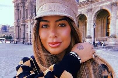 Rafaella Santos divulga clique de ensaio e beleza natural impresiona