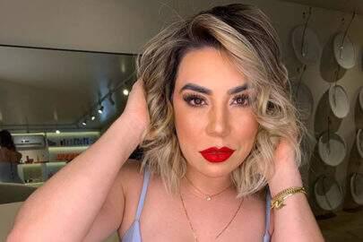 """Naiara Azevedo relembra look de show e brinca: """"Quinta e nóis já tá como?"""""""