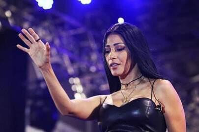 """Simaria relembra foto de show e deixa fãs empolgados: """"Que mulher"""""""