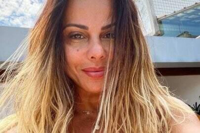 """Viviane Araújo exibe look minimalista no espelho da academia: """"Que mulher!"""""""