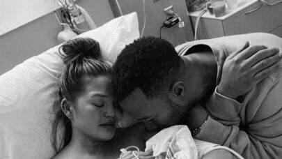 Bebê do cantor John Legend e de Chrissy Teigen morre após parto