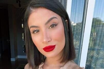 Bianca Andrade posta sequência de fotos encantadoras e boa forma choca fãs