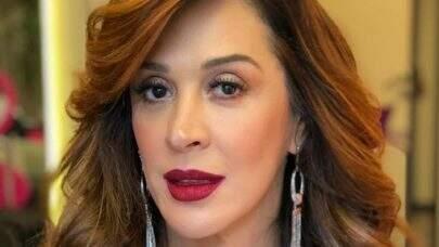 Aos 53 anos, Claudia Raia posta foto de biquíni e enlouquece a web
