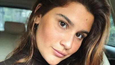 Filha de Flávia Alessandra exibe corpão na praia e areia em local inusitado chama atenção