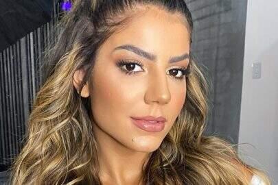 """Ex-BBB Hariany Almeida esbanja boa forma com modelito do dia: """"Amarelo pra hoje"""""""