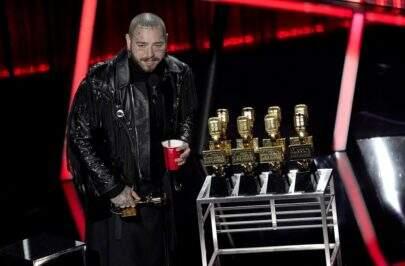 Post Malone é o grande vencedor do Billboard Music Awards 2020; confira os destaques da premiação
