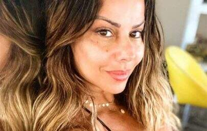 Viviane Araújo renova o bronzeado e deixa escapar detalhes demais