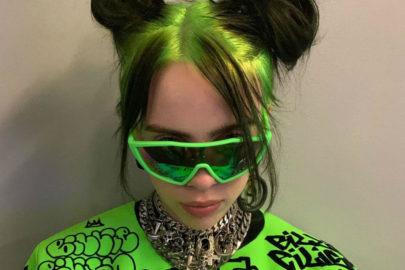 """Andando sozinha no shopping, Billie Eilish lança clipe da música """"Therefore I Am"""""""