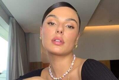"""Isis Valverde exibe beleza natural em sequência de fotos: """"Em casa"""""""