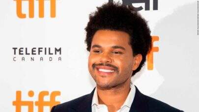 """Fãs brasileiros fazem surpresa para The Weeknd e cantor responde: """"Eu amo vocês"""""""