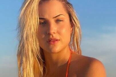 Ex-BBB Gabi Martins relembra clique na praia e boa forma chama atenção dos fãs