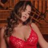 Irritada, Geisy Arruda rebate comentário sobre o polêmico vestido rosa