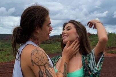 Whindersson Nunes posa grudadinho com nova namorada e encanta web