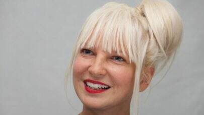 "Sia divulga lyric vídeo do novo single ""Hey Boy"""