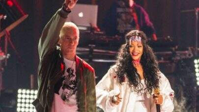 """Após dizer que estava """"do lado de Chris Brown"""", Eminem pede desculpas para Rihanna em sua nova música"""