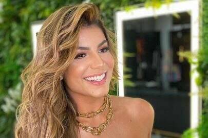 """Ex-BBB Hariany Almeida renova o visual e ostenta beleza natural: """"Cabelão de sereia"""""""