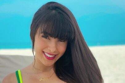 Juliana Caetano, do Bonde do Forró, posa na Ilhas Maldivas e exibe boa forma