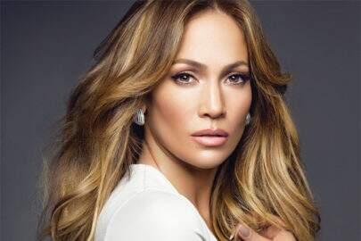 """Aos 51 anos, Jennifer Lopez revela: """"Eu nunca fiz botox até hoje"""""""