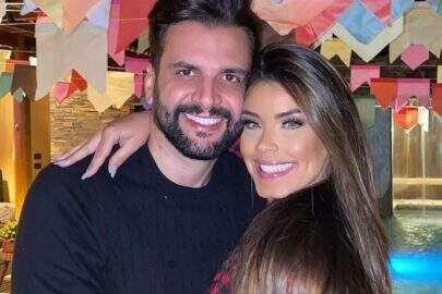 """Marido de Ivy Moraes fala sobre sua relação com a ex-BBB: """"Não sou apaixonado por ela"""""""
