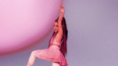 """Aparecendo chorando e emocionada, Ariana Grande divulga trailer de """"excuse me, i love you"""""""