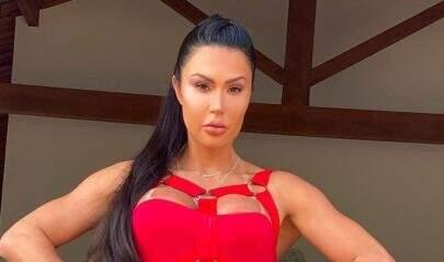 Gracyanne Barbosa exibe boa forma com look minimalista e chama atenção dos fãs