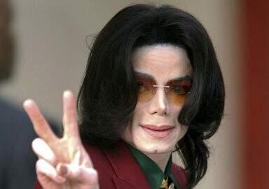 Filhos de Michael Jackson pedem 100 milhões de dólares em processo contra HBO, revela revista