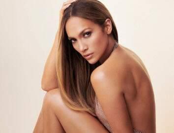 De biquíni, Jennifer Lopez surpreende ao mostrar corpão na praia