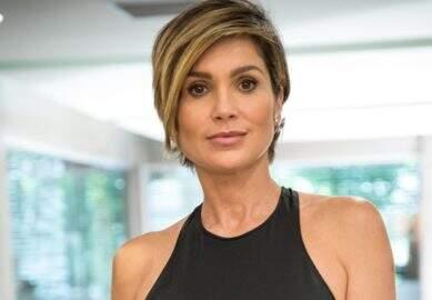 Aos 46 anos, Flávia Alessandra exibe curvas em biquíni ousado e gera tumulto na web