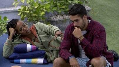 """BBB 21: Fora do reality, Arcrebiano não deseja encontrar com Karol Conká: """"Quero distância"""""""