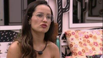 BBB21: Juliette sofre ao ver vídeo de Karol Conká beijando Arcrebiano na festa