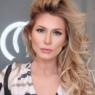 """Lívia Andrade 'aconselha' seguidora e internautas apontam indireta: """"Tem que chorar"""""""