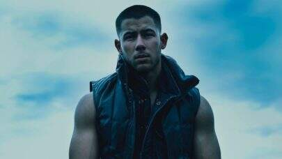 """Se sentindo um homem no espaço, Nick Jonas lança seu novo hit """"Spaceman"""""""