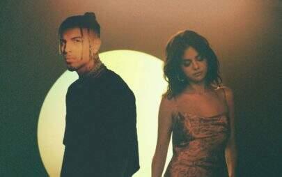 """Mais dançante, Selena Gomez divulga nova versão do clipe de """"Baila Conmigo"""""""
