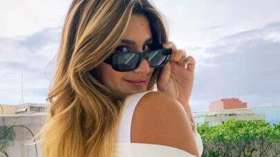 """Filha de Flávia Alessandra dá zoom no próprio corpo e fã dispara: """"Mostrou a marquinha"""""""