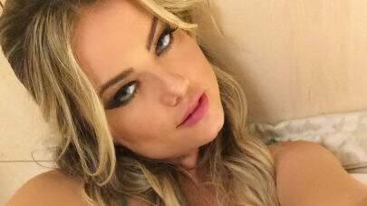 """Ellen Rocche relembra foto de ensaio com lingerie: """"Saudades"""""""