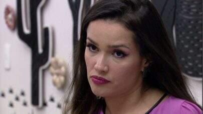 """BBB21: Juliette leva bronca da produção ao maquiar sister: """"Você é participante e não maquiadora"""""""