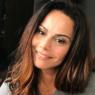 """Viviane Araújo inspira fãs com sequência de exercícios: """"Treininho suave"""""""