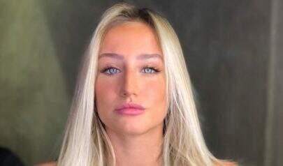 De biquíni, Bruna Griphao dá puxadinha no limite e chama atenção na internet