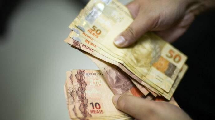 cédulas de dinheiro brasileiro
