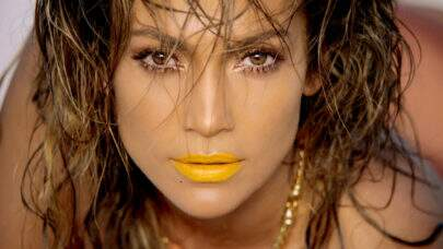 "Jennifer Lopez esbanja saúde de biquíni e impressiona fãs: ""Que mulher"""