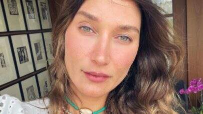 "De biquíni, Gabriela Pugliesi posta foto e encanta seguidores: ""Maravilhosa"""
