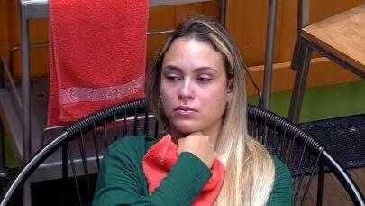 "BBB21: Famosos criticam atitudes de Sarah no reality: ""Ironiza as vítimas da pandemia"""