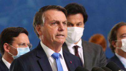 """Carta de ex-ministros enviada à Cúpula do Clima afirma que """"Bolsonaro estimula agentes da devastação"""""""