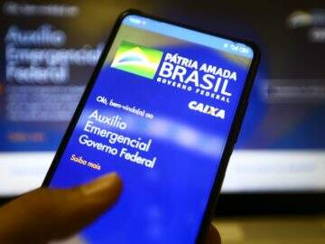 Especialista faz alerta para apps falsos do Auxílio Emergencial na PlayStore