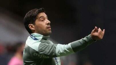 """Abel Ferreira lamenta derrota do Palmeiras na Recopa: """"Jogar no Allianz faria muita diferença"""""""