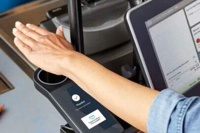 Amazon One está testando uma nova tecnologia para pagamentos com biometria em redes de supermercados Whole Foods