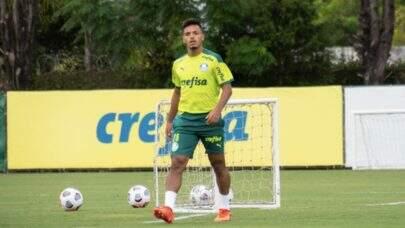 Antes da estreia na Libertadores, Raphael Veiga e Gabriel Menino treinam na Academia de Futebol